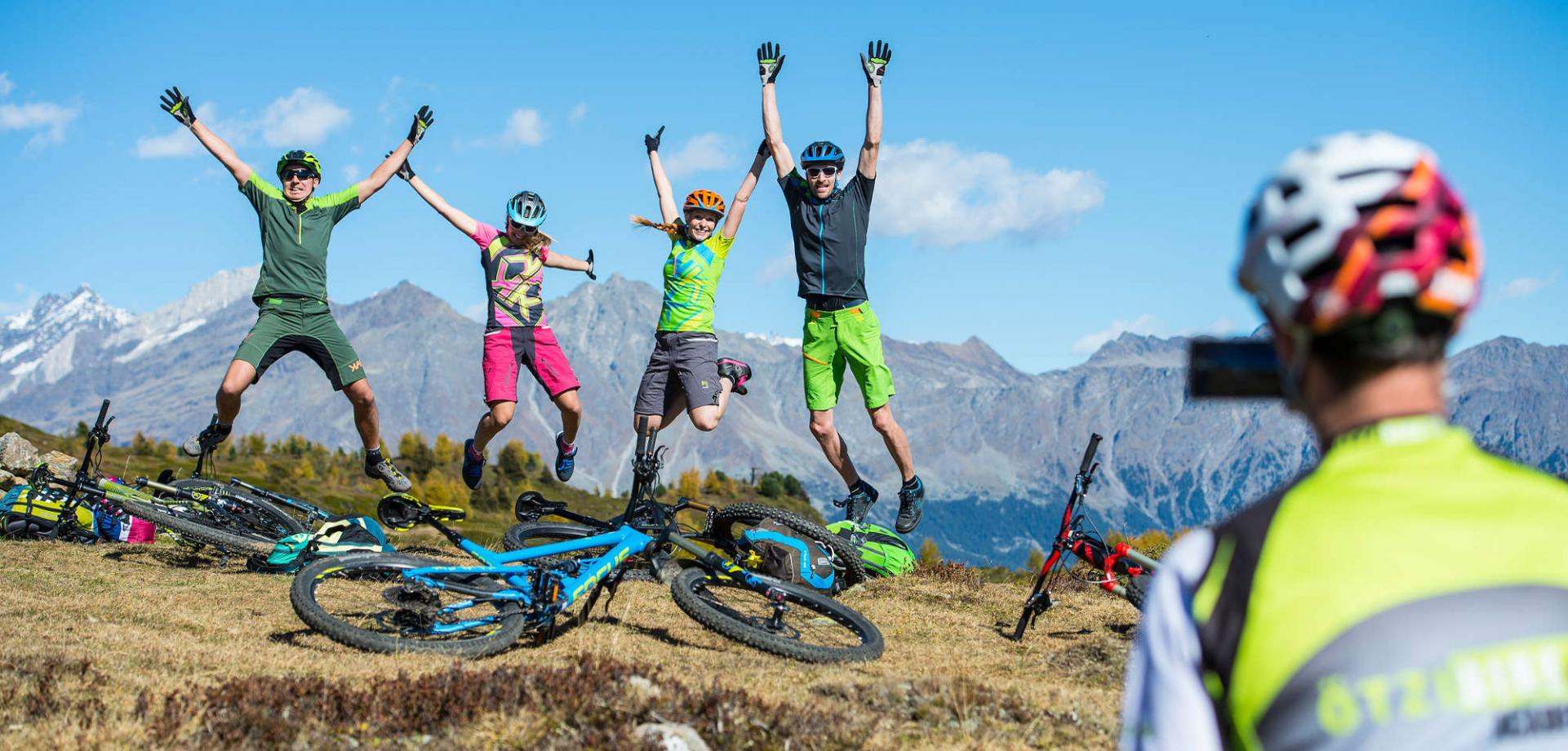 Sun, flow trails – Ötzi Bike Academy!